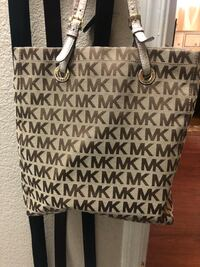 Michael Kors purse Discovery Bay, 94505