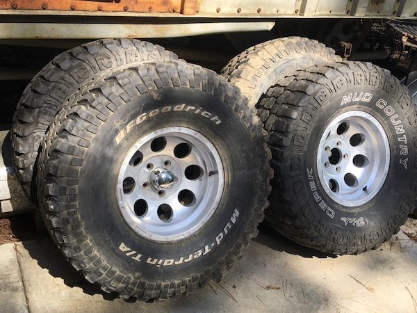 S10 Lug Pattern >> Used 4 Tires And Rims 35 12 50 R15 For S10 5 Lug Pattern For Sale In