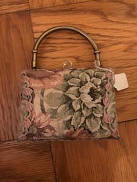 Small handbag. Wear with or without chain. Never worn.  Smoke free home New York, 10016