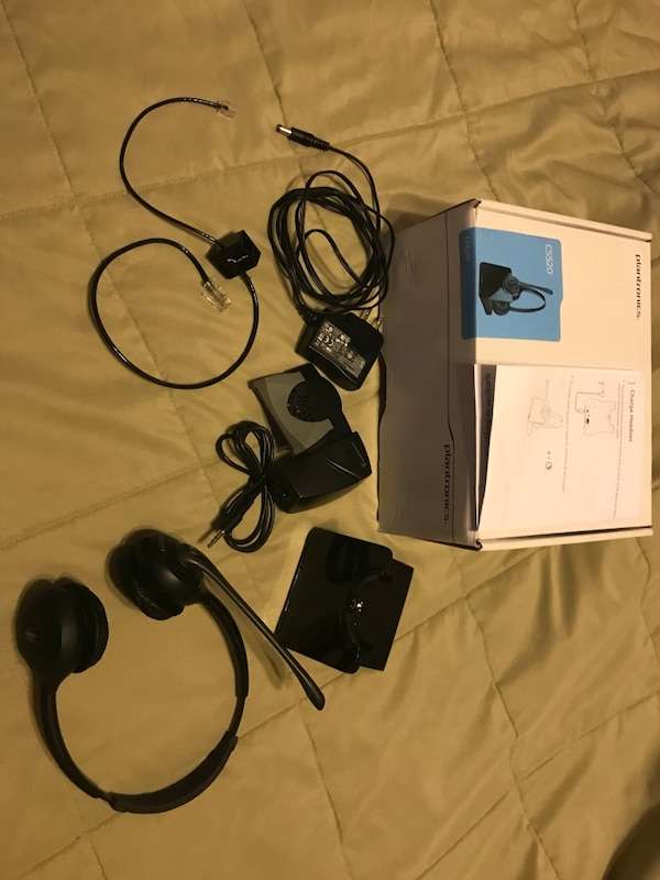 Plantronics wireless headset CS520 great condition   Has lifter