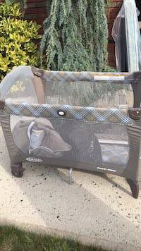 Baby's Graco pack & play  South Hackensack, 07606