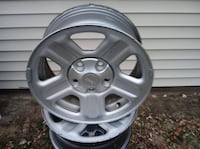 """16"""" Factory Jeep rims *OPEN TO OFFERS* Decatur, 62526"""