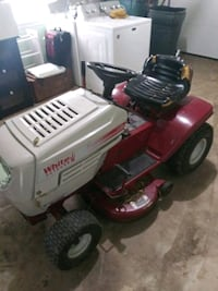 red and black Craftsman ride on mower New Providence, 17560