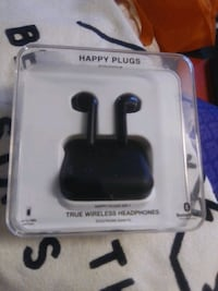 Happy plugs wireless earbuds (black) Vancouver, V6E 1S3