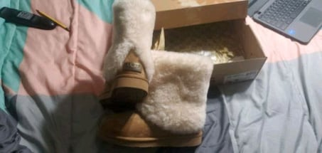 Ugg 1006011 W/Che size 7 never worn