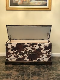 brown and white wooden storage chest Fulton, 38843