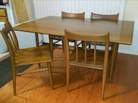 Solid oak drop leaf table/with 4 chairs Richmond, 23235