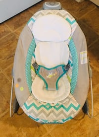 Baby's white and blue bouncer Sioux Falls, 57108