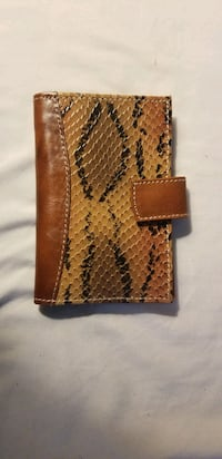 Purses & Leather Wallets