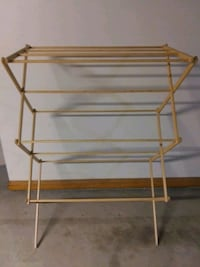 I have a no-name clothes drying rack West Allis, 53219