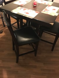Table  Tampa, 33614