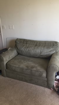 Olive green loveseat pullout Winter Park, 32792