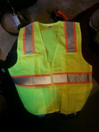 yellow and green zip-up vest Surrey, V3W 6E1