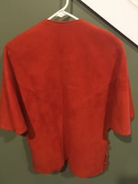 Red poncho Nashville, 37211