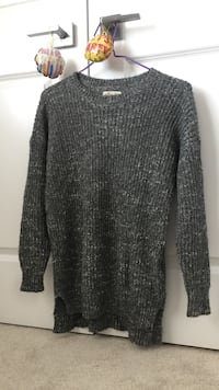 Hollister grey sweater Vancouver, V5K 3E6