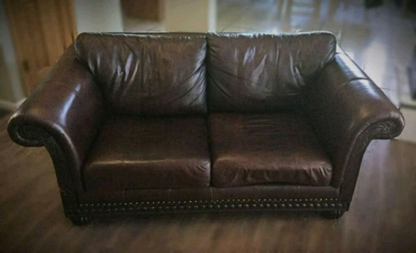 Love seat Leather