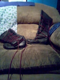 Pebble leather boots