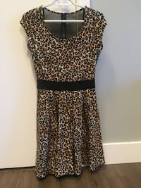 Guess dress North Vancouver, V7P 1T2