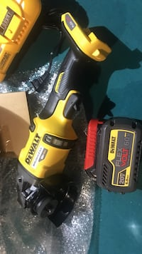 Dewalt right angle hand grinder brand new necer been use Calgary, T3C