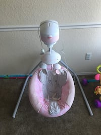 Baby swing & bassinet bundle deal Temple Terrace, 33637