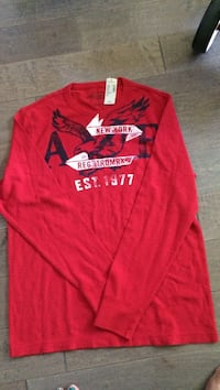 red and white Aeropostale pullover hoodie Kelowna, V1Y 7A3