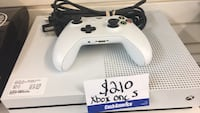 white Xbox One console with controller Alamo, 78516