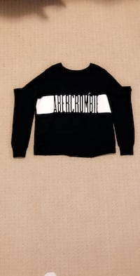 Womens abercrombie and fitch crew neck.