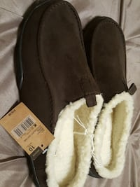 Men's slippers brand new never worn still with tag Glassboro