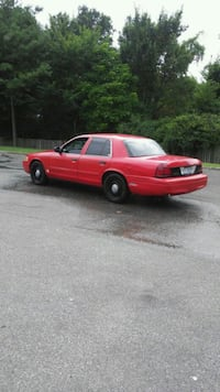 Ford - Crown Victoria - 2009 Silver Spring, 20906