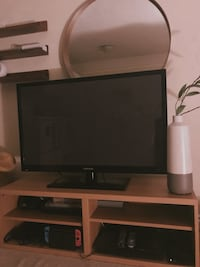 TV Stand New Westminster, V3M