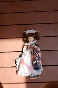Classic doll with stand