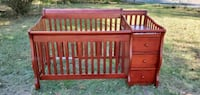 Sorelle Tuscany 4 in 1 convertible Crib in Cherry Monroe Township, 08831