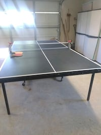 Barely used ping pong table