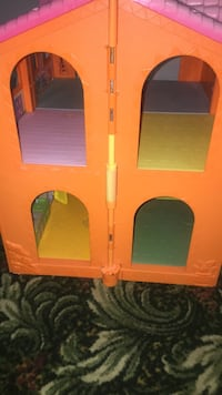 Dolls house and kitchen