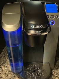 Keurig Coffee Machine and pod holder Arlington, 22209