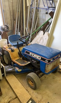Lawn tractor with mower