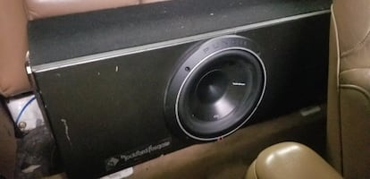 Rockford P3 Subwoofer and box