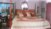 King size elegant bedspread with shams and pillows Huntington Beach, 92648