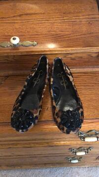 Jessica Simpson leopard flats. Size 6 Moore, 29369