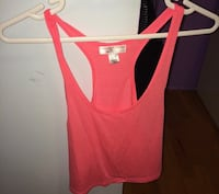 Women's crop top pink size small  Surrey, V3W 5J6