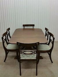 Antique dining table set Newmarket, L3Y 2N9