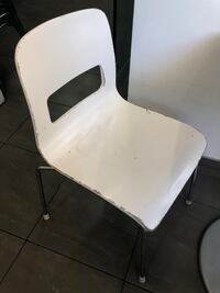 8 Wood and metal chairs. Los Angeles, 91423