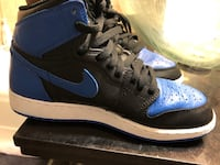 pair of blue-and-black Air Jordan shoes Washington, 20017