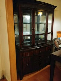 China cabinet and matching table Bradford West Gwillimbury, L3Z 2A5