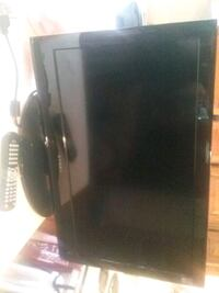 27 inch tv nynex with remote  Sidney, V8L