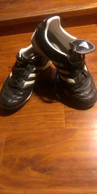 Adidas Mundial Indoor Soccer Shoes size 7 Toronto, M6E 3N4