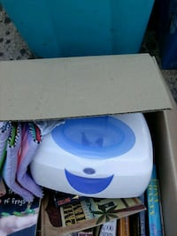 white and blue wipes warmer Redding