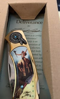 Four exquisite collectors knives, sll in original boxes.