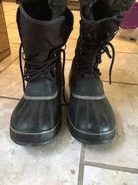 Men's waterproof sorel boots size 10 Pickering, L1W 1L7