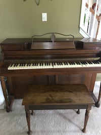 brown and white upright piano Garnet Valley, 19060